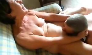I lick mom pussy video