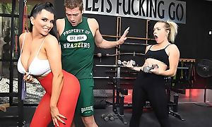 Raven-haired nympho with chubby boobs gets fucked hard take chum around with annoy gym